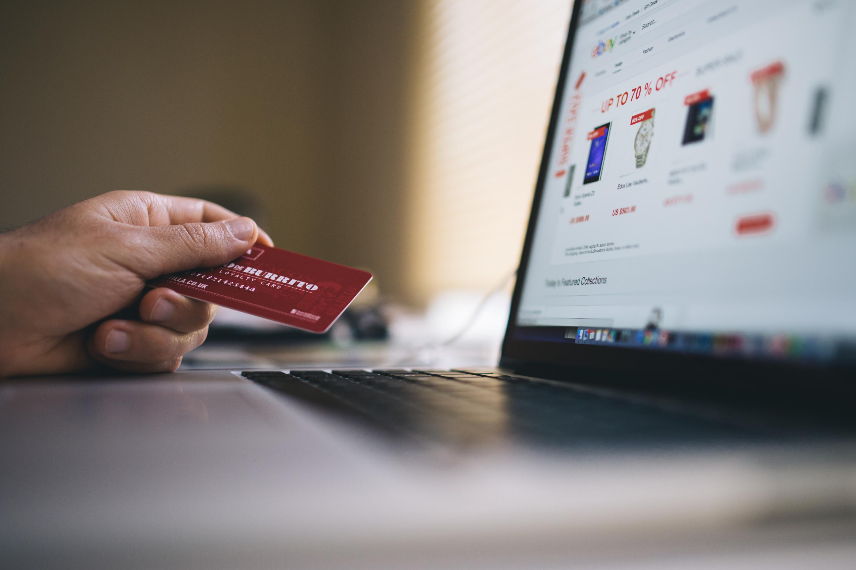 Koopmotief is gemak want persoon bestelt online.
